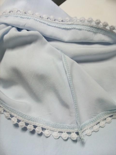 オフショルダーブラウス縫い目