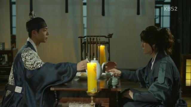 李・旲はキム・ビョンヨンと秘密の話をします。