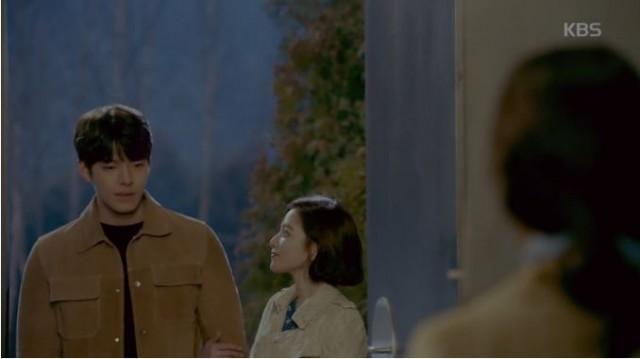 記憶喪失の症状が現れるようですが、すぐ戻ってきた記憶でジュニョンはジョンウンを連れて家に入ります。