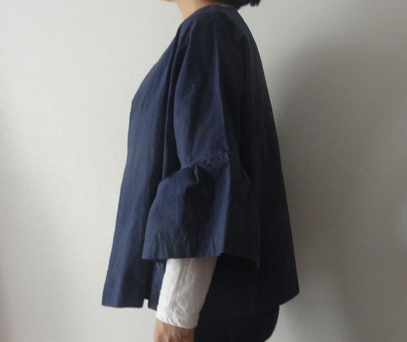 Casual Women Solid Color Loose Flare Sleeve Short Jacketジーンズ横