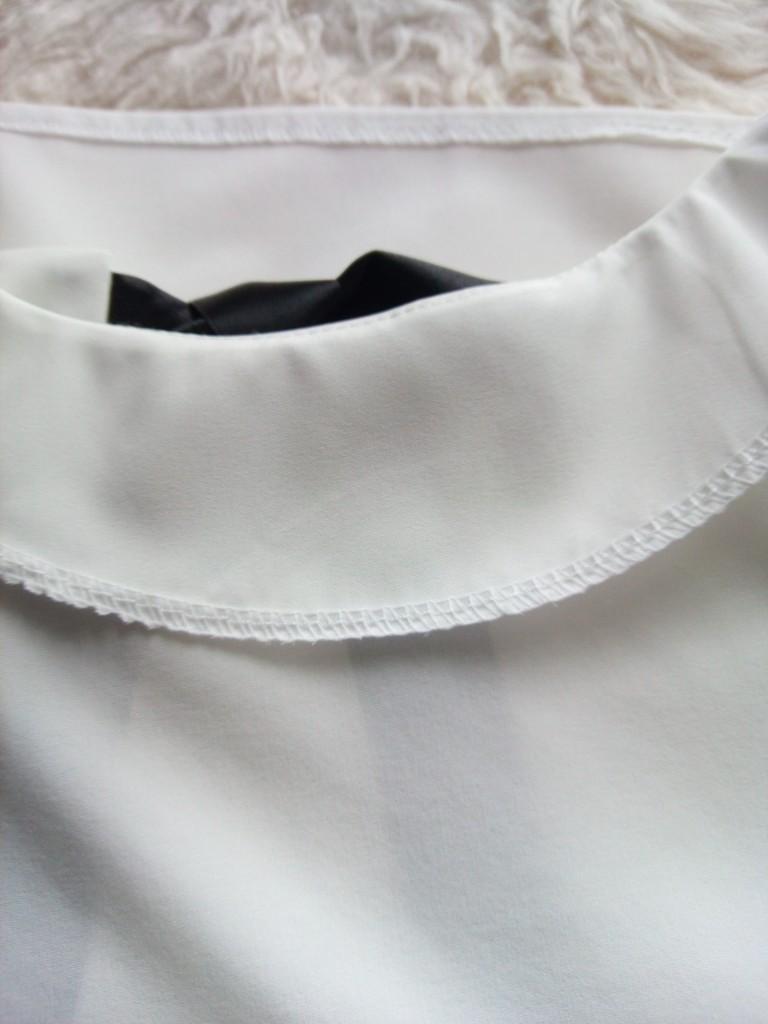 バックリボンブラウス縫い目