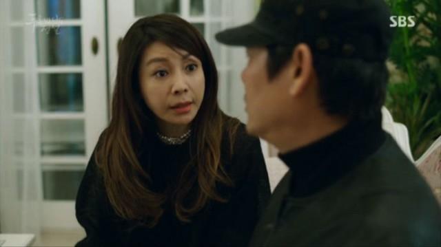カン・ソヒはマ・デヨンを家に連れてきて当分の間は地下の部屋で過ごしてと言います