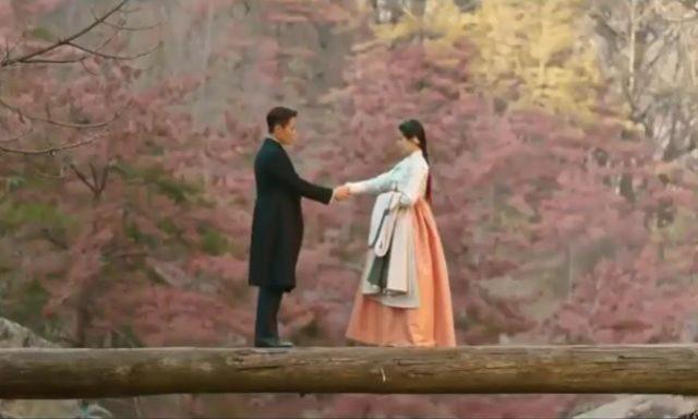 ユジン・チョイはコ・エシンの婚約者であるキム・ヒソンが自分の敵の孫という事実を知ってコ・エシンが提案した「ラブ」(Love)を受け入れました。