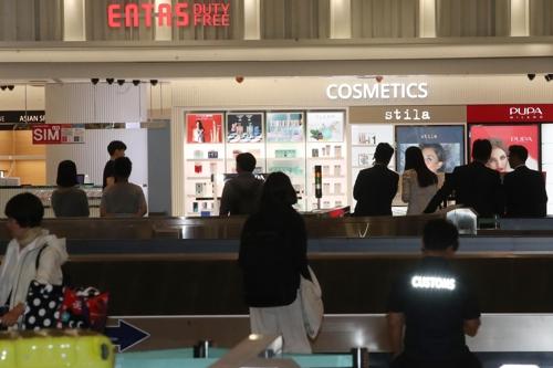仁川空港到着ロビーに免税店OPEN