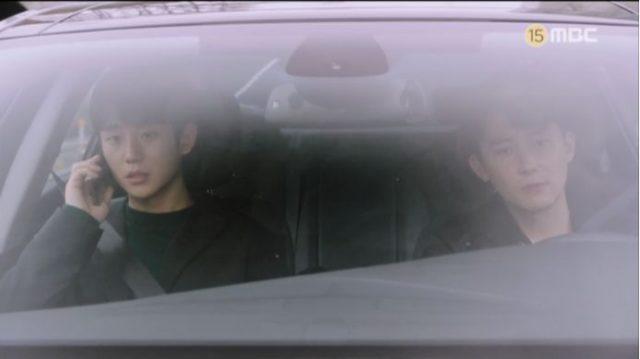 イ・ジョンインは、ユ・ジホに電話をかけてクォン・キソクと一緒にいるという話を聞いて慌てました。