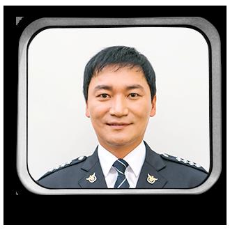 イ・マンジン(이만진)役ージョ・ジェユン (조재윤)