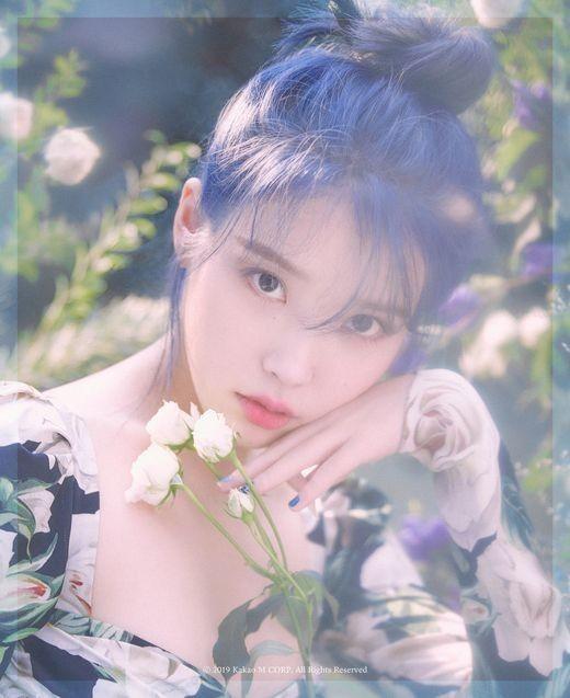 IU(イ・ジウン)、1年ぶりに新曲「ラブポエム(Love poem)」を発表。