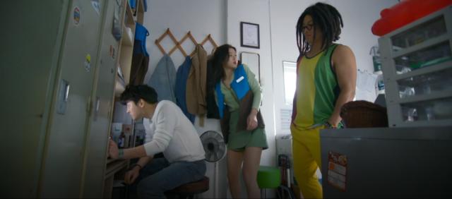 キム・ユジョングリーン色のパンツスカート2